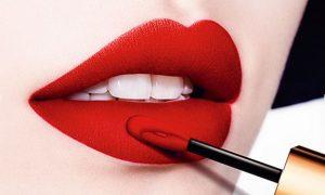 Lipstick spreading